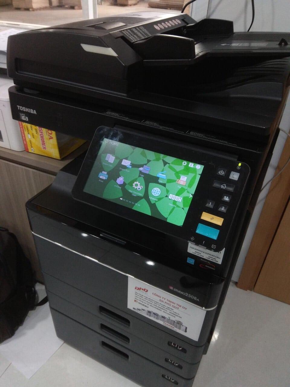 Bàn giao cho thuê máy photocopy cho khách hàng của Đa Phú Quý